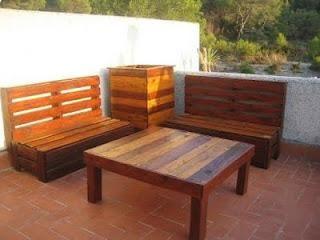 Muchas ideas para hacer muebles con palets del blog Bricolaje Casero