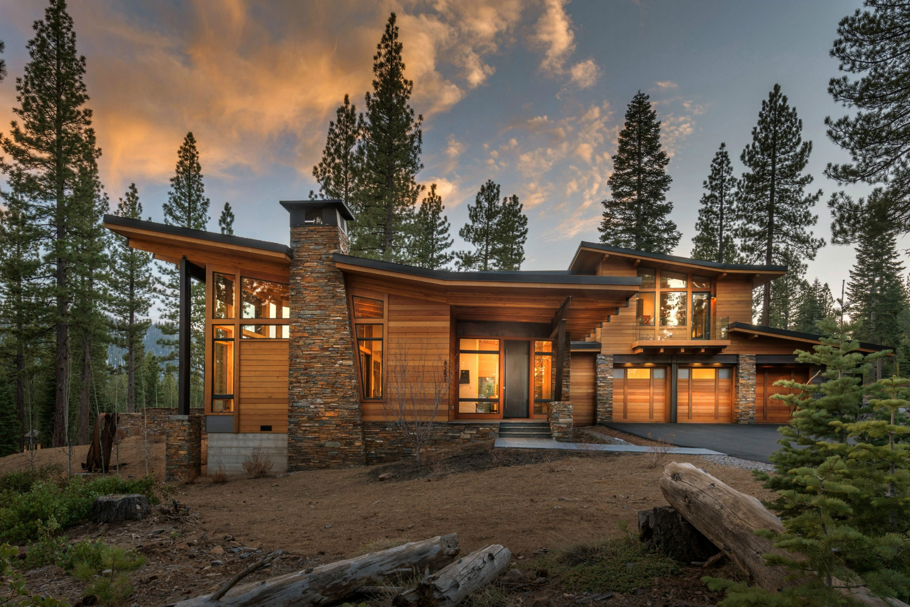 this modern mountain home captures views to lookout mountain  mt  pluto and sawtooth ridge  a