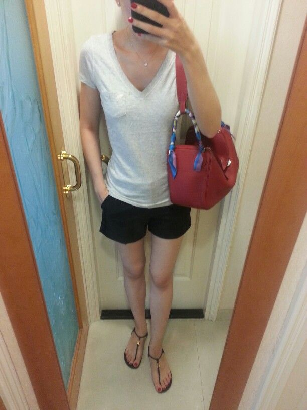 a4be0269aa61 AnF v-neck T-shirt, Zara shorts, diamond solitaire necklack, Tory Burch  sandels, Hermes Lindy 30 bag rouge.  HermesLindy  HermesTwilly