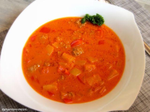 Diese Kombination ergibt eine herzhafte Curry – Gemüsesuppe, mit Kokosmilch und Ananas.   Eine gewagte Kombination ?   Einfach mal anders....