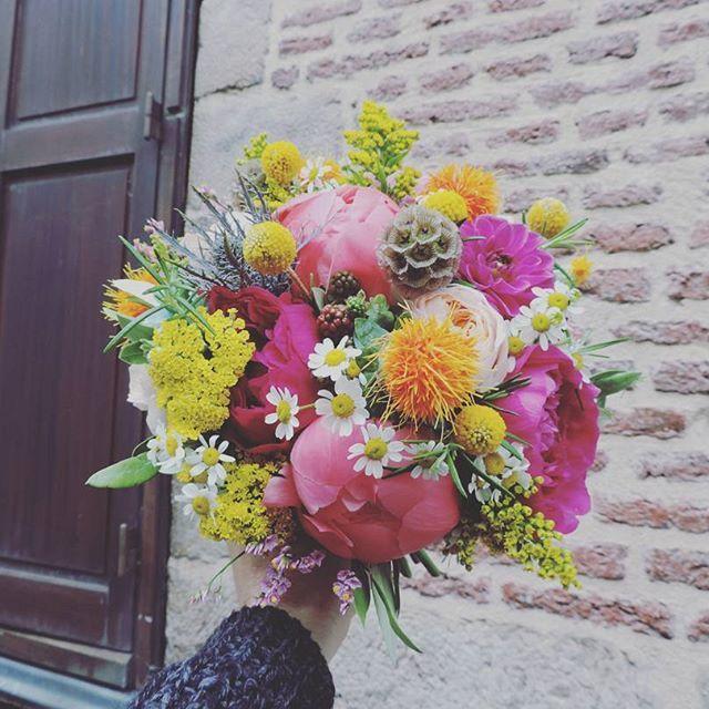 Sophie & François   Un couple adorable... #weddingday #celebrate #mariage #wedding #bouquet #bride #bridebouquet #flowers #flower #fleuriste #lefleuriste #florist #igerslille #lille #fleuristelille #fleuristelille