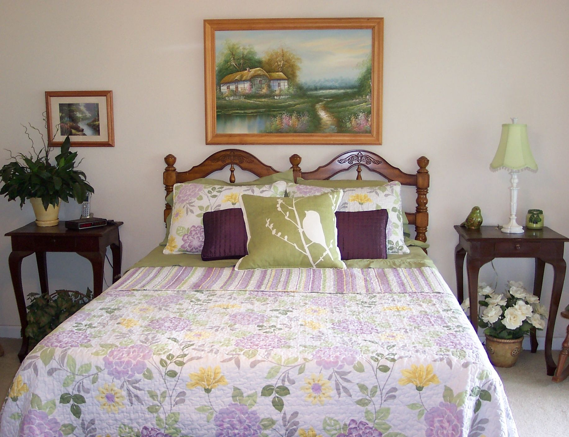 Spring décor for the master bedroom. I love this quilt