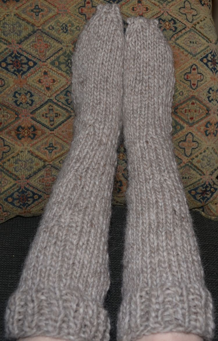 Try your hand at knitting these adorable toddler socks knee bulky knee socks free knitting pattern bankloansurffo Image collections