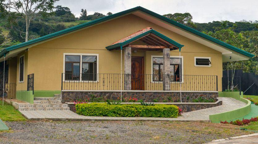Espaciosa Casa en San Rafael de Heredia | Sabana Real Estate