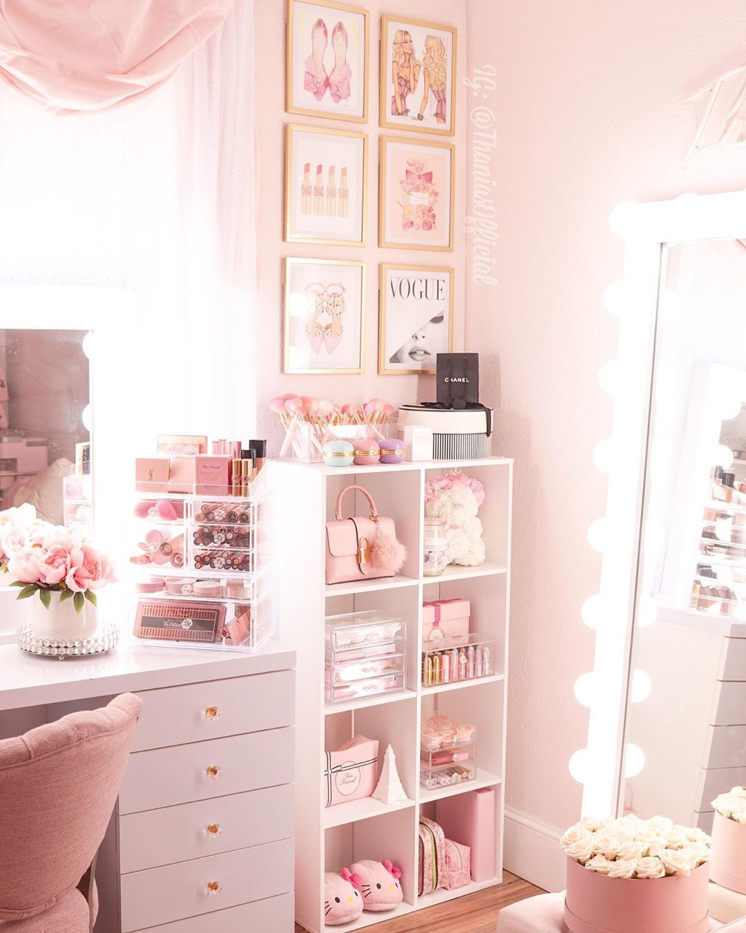 Thania Beauty Fashion On Instagram Staying Has Gotten Me Doing Projects I Didn T Even Plan On In 2020 Girl Bedroom Decor Bedroom Decor Beauty Room Decor