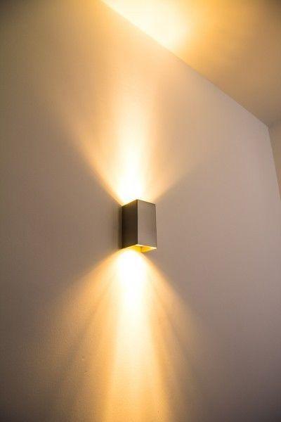 Details zu silberne Design Wandleuchte Strahler Lampe Flur