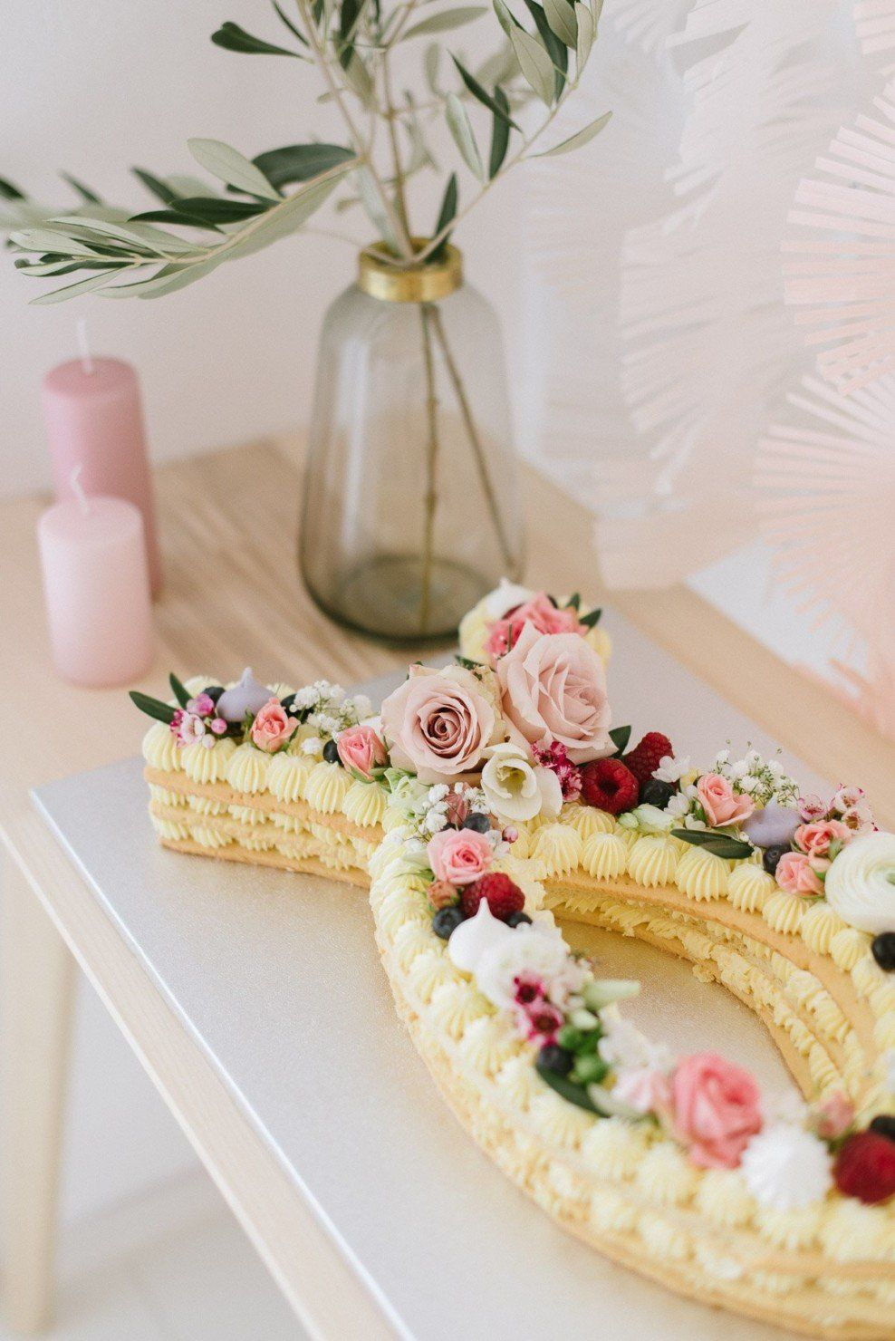 Photo of Delicate, floral decoration for a christening or welcome party – Miss K. Says Yes