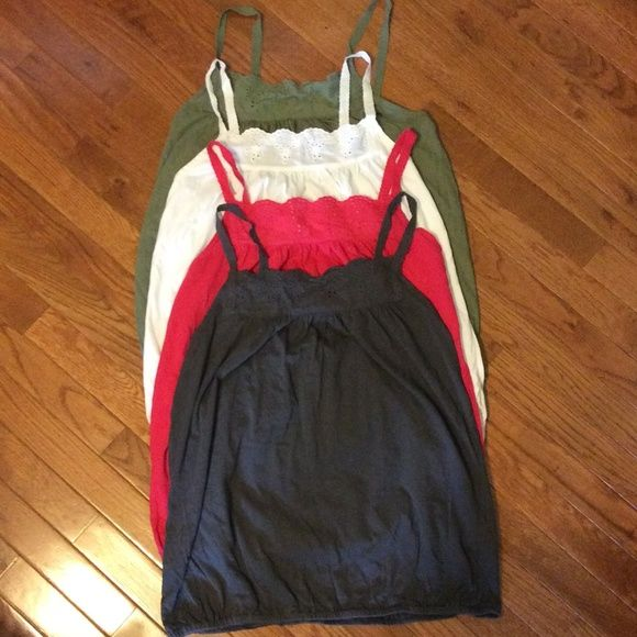 OLD NAVY TANK TOPS 4 Old Navy Tank Tops   All are size large & are in excellent condition Old Navy Tops Tank Tops