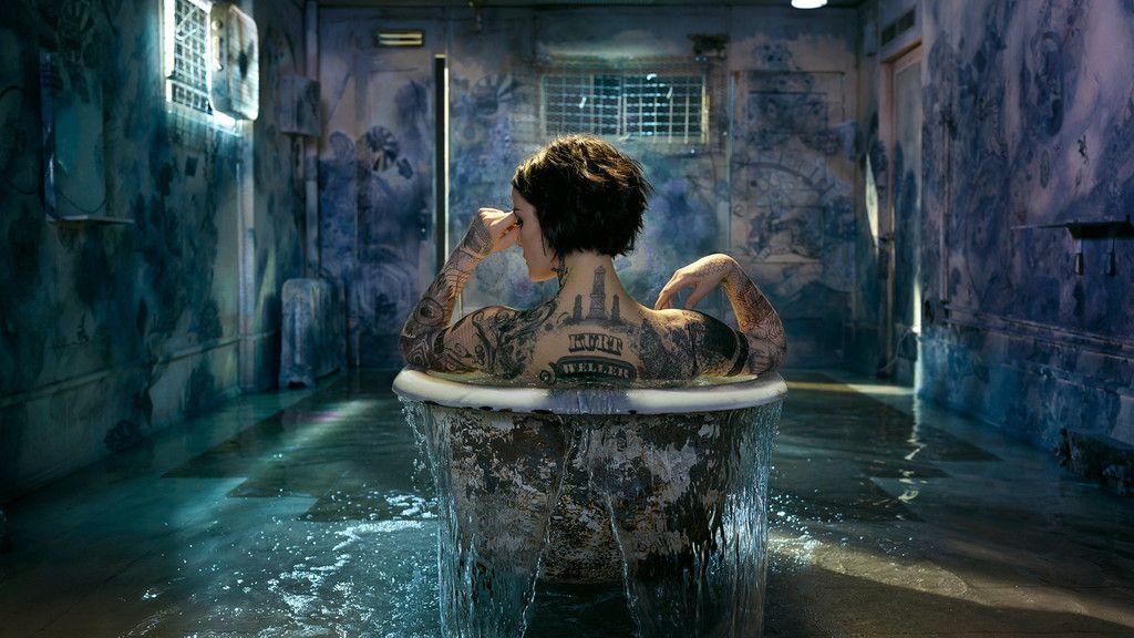 Blindspot Tv Show Jaimie Alexander Bathtub Tattoo Wallpaper