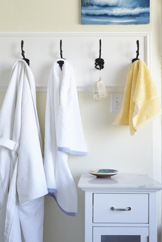How to Deal with a Microscopic Bathroom — HomeSense | Homesense ...