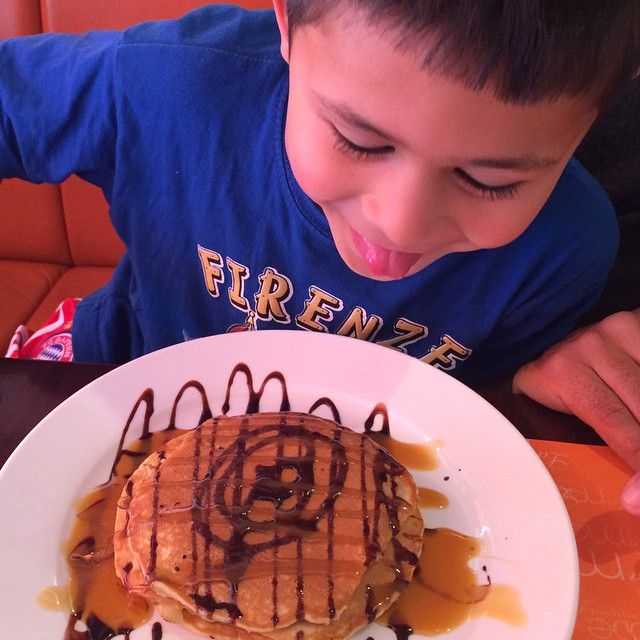 """Mom, I love you!"" ❤️ #pancakes #lamode #cafe #breakfast #kids #kidtravel #kidfoodies #Dubai #UAE"