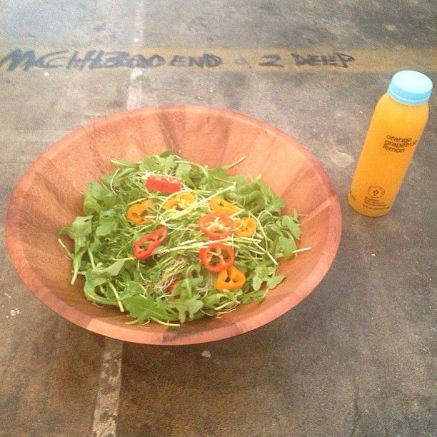 Lunch took me less than 3 min to make all organic arugula pea all organic arugula pea greens alfalfa sprouts redorange sweet peppers evoo pink sea salt salad and an orangegrapefruitlemon blueprintcleanse malvernweather Image collections