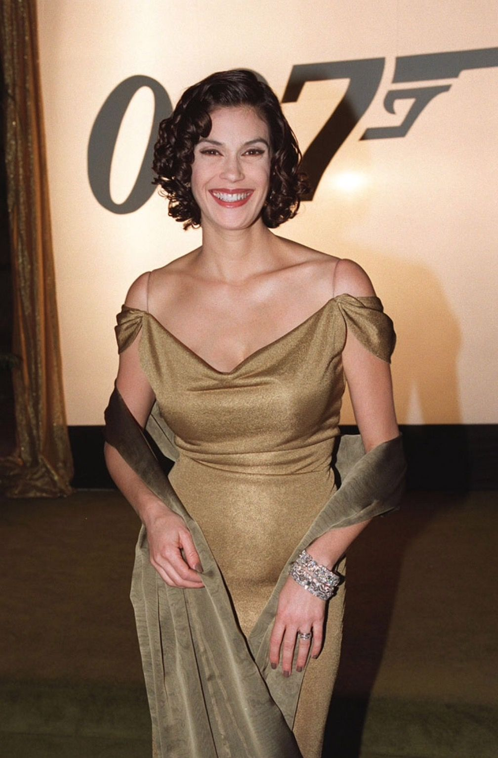 Teri Hatcher wants to be your therapist — seriously
