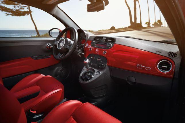 2015 Fiat 500 Cockpit
