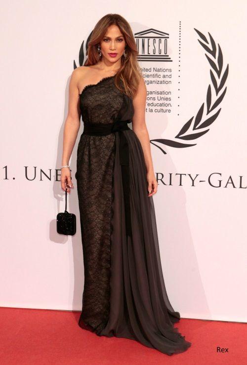 fd53355d1752b Jennifer Lopez 40 Best Red Carpet Dresses   pretty dresses   Dresses ...