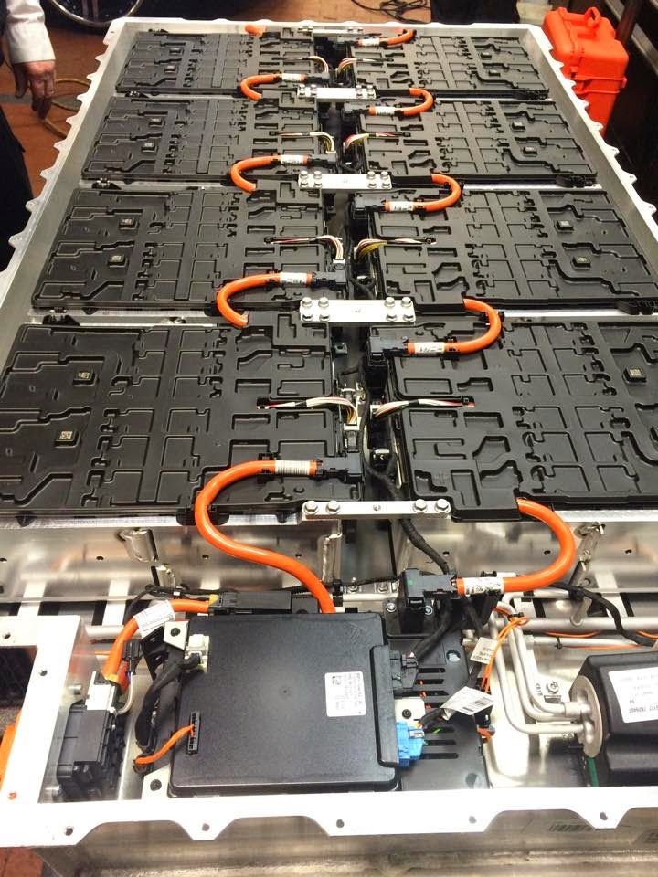 Inside The Battery Pack Bmw I3 Rex Electric Cars Electric Car