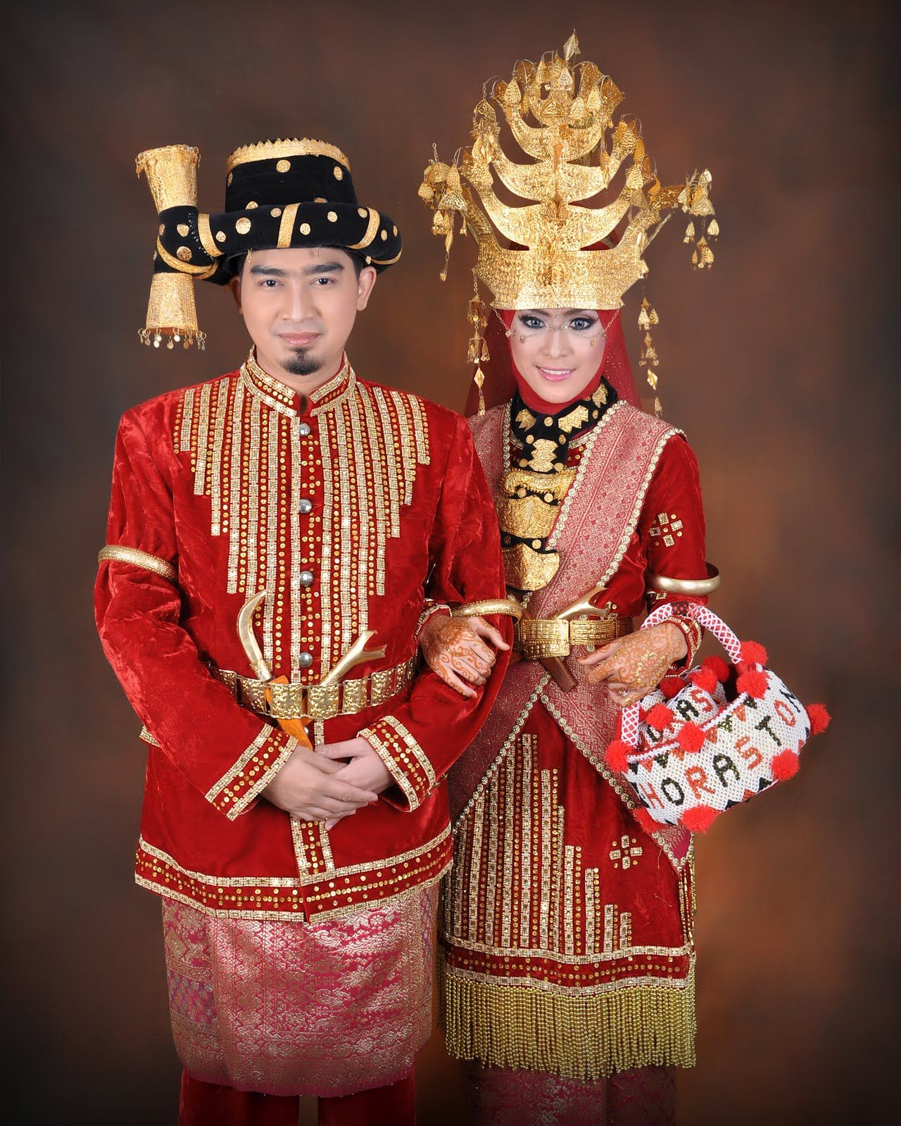 Gambar Pakaian Adat Sumatra Utara