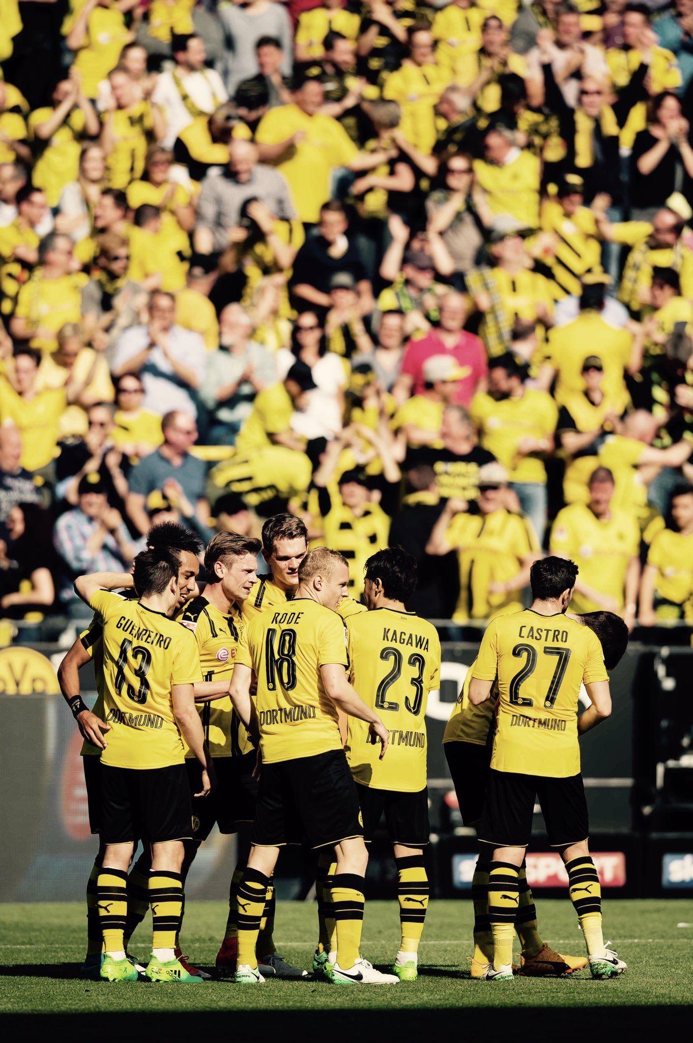 Borussia Dortmund おしゃれまとめの人気アイデア Pinterest Bil Koko ドルトムント サッカーの壁紙 サッカー
