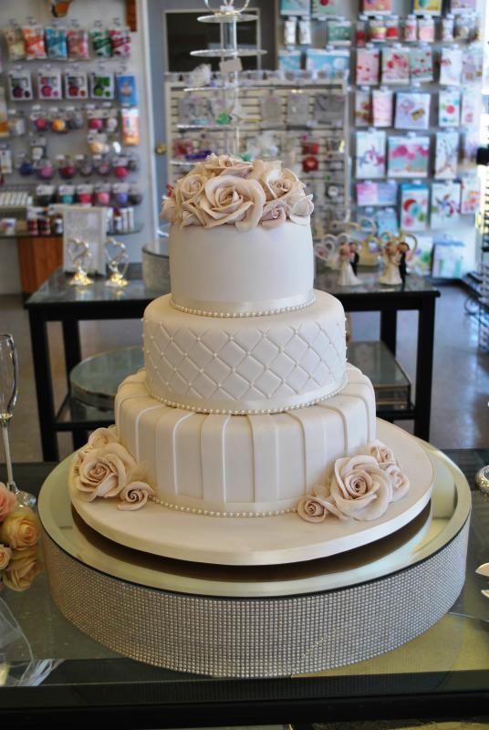 Wedding Extra Large Mirror Cake Stand With Pearls Hire Weddingwish Au