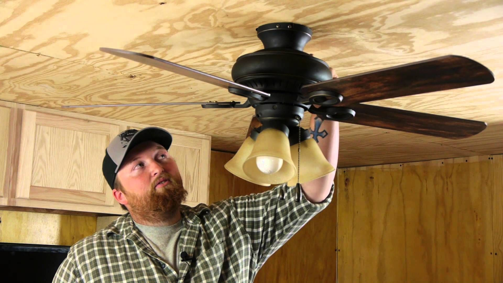 Handyman Shares 14 Brilliant Solutions To Common Home Problems That You Ve Never Heard Of Ceiling Fan Fan Repair Ceiling Fan Hack