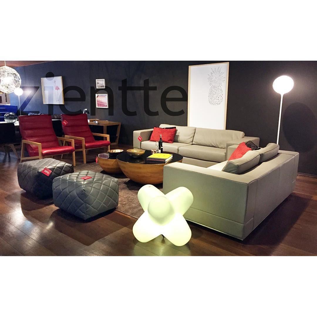 La moda caduca el estilo jam s cocochanel sofas prana - Sofa piel gris ...