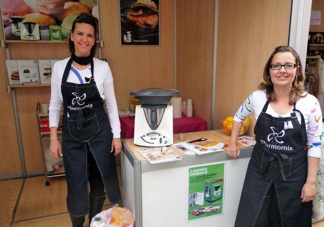 Si te preguntas dónde comprar la Thermomix, has llegado al lugar adecuado. Te explicamos cómo adquirir el robot de cocina a través de los vendedores oficiales autorizados Vorwerk y de las demostraciones gratuitas que pueden realizar en tu hogar.