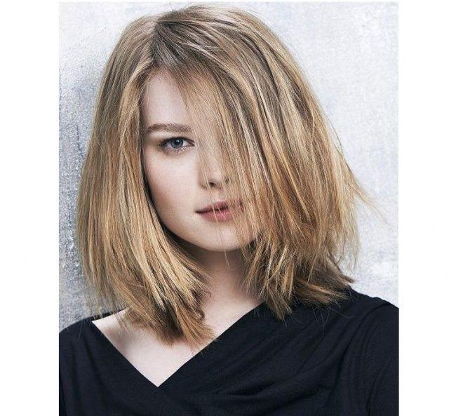 Fryzury Dla średniej Długości Włosów W Wersji Cieniowanej Z