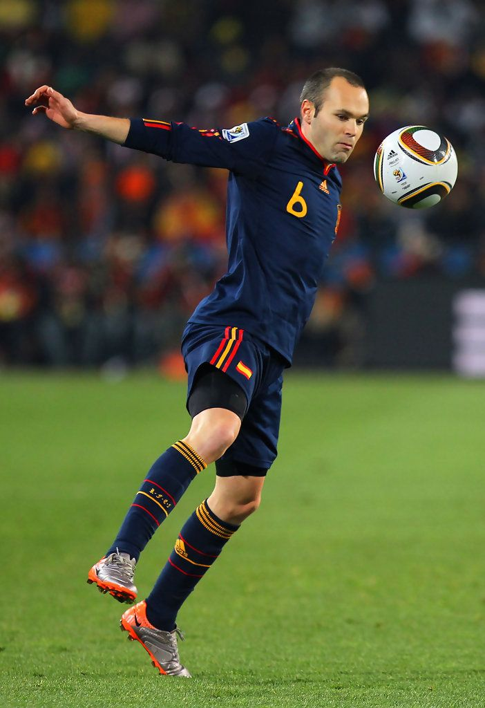 Andres Iniesta Photos Photos Paraguay V Spain 2010 Fifa World Cup Quarter Final Iniesta Barcelona Team Andres Iniesta
