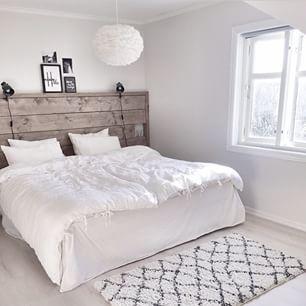 Love this #bedroom - #slaapkamer - www.vanmariel.nl - Zolder ...