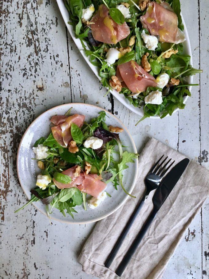 Salat med parmaskinke, mozzarella og valnødder | Food Salute