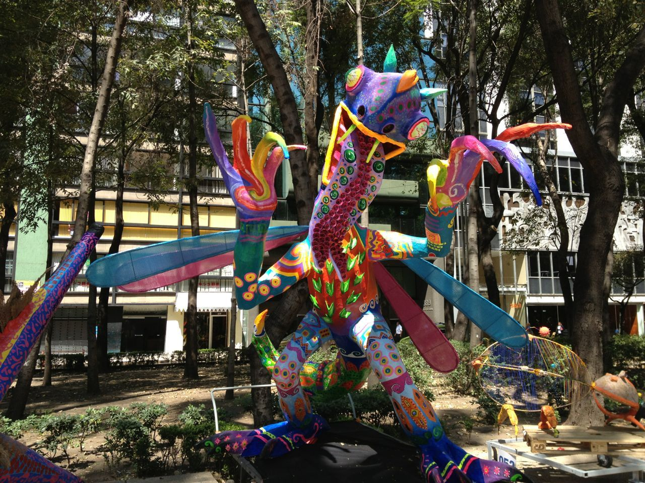 Alebrije Along Paseo De La Reforma In Mexico City Mexican Folk Art Sculpture Art Folk Art