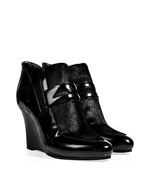 Die klassischen Loafer schalten diese Saison einen Gang höher: mit einem Wedge-Heel und Kalbsfell bekommt er bei Jil Sander so coolen Fashion-Spin #Stylebop