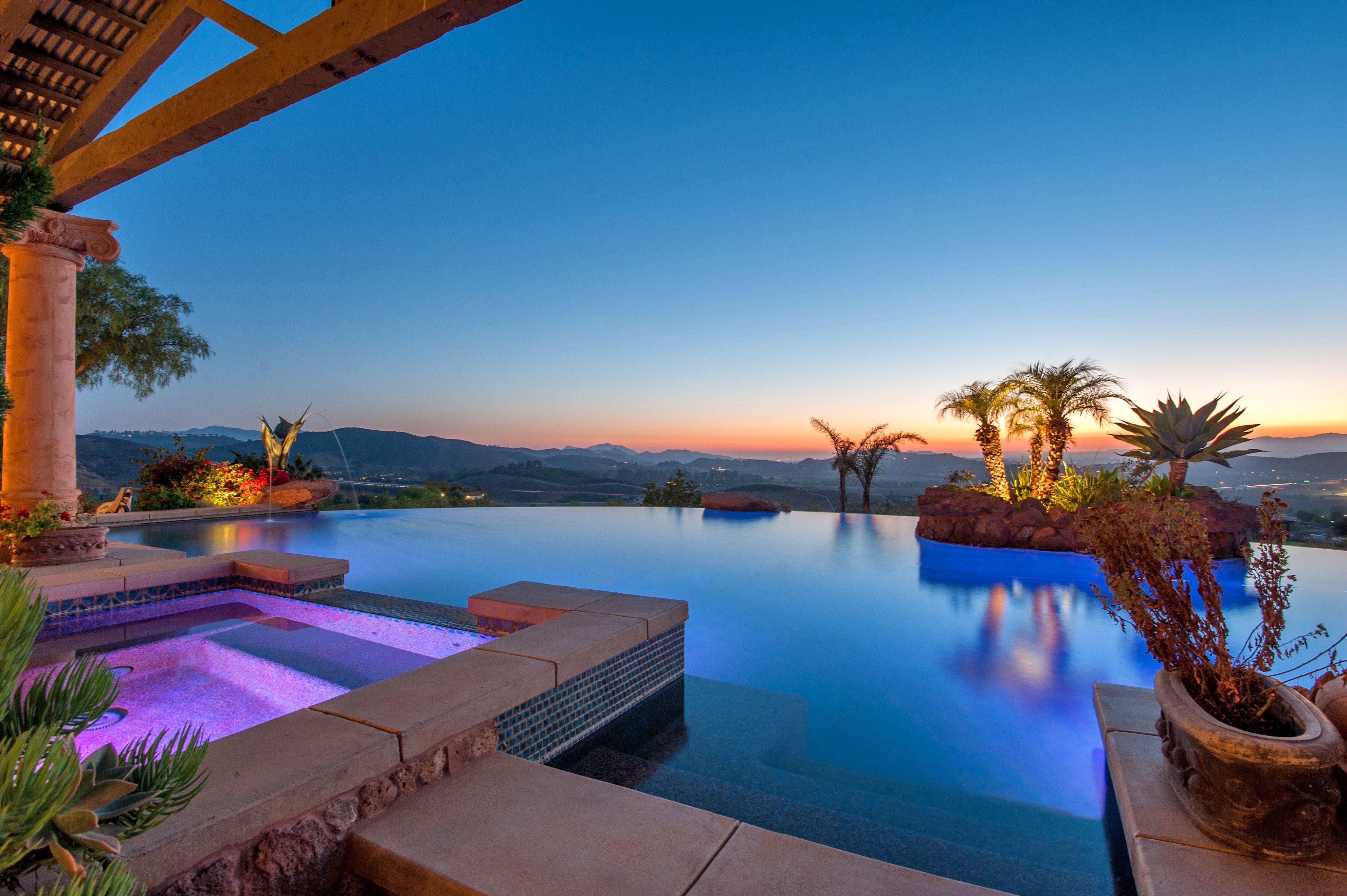 Infinity Pool Luxury Home Moorpark California El Rancho Cerca