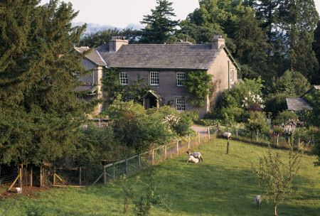The front of the mainly c17th Hill Top, Sawrey, Cumbria, where Beatrix Potter wrote many of the Peter Rabbit stories