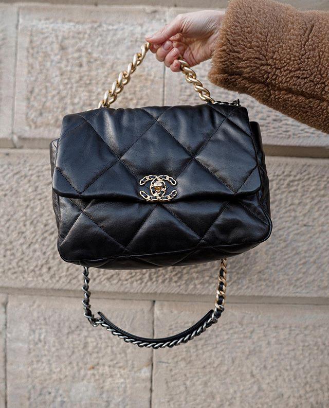 Chanel Bags 2020 In 2020 Chanel Bag White Chanel Bag Chanel Bag Classic