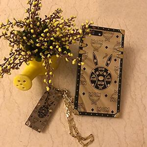 「chanel iphonexs xr 8plus s8plus case」おしゃれまとめの人気アイデア