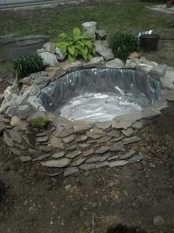 Construire ce bassin avec juste un pneu bassin pneu et construire - Construire un bassin a poisson en beton ...