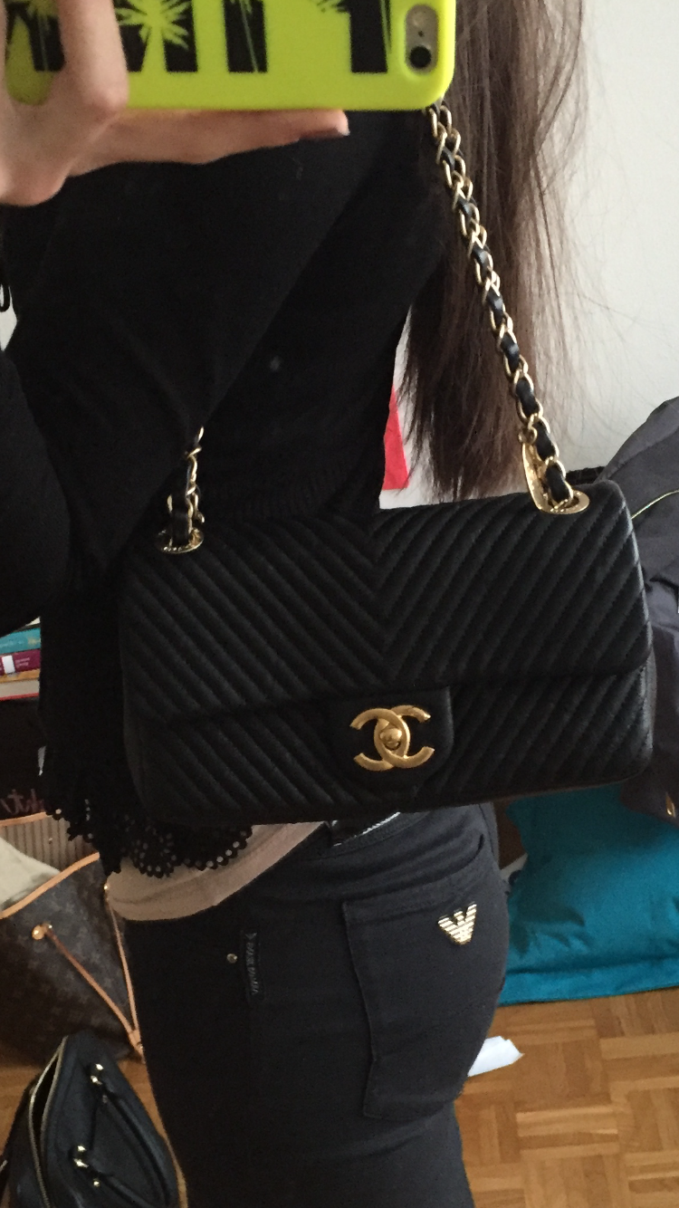 A Closer Look Chanel Chevron Quilted Flap Bag Bragmybag Chanel Chevron Chanel Bags