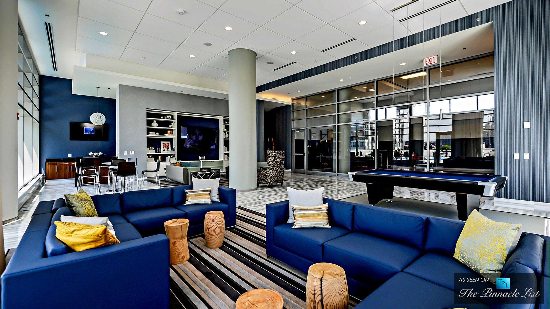 Delightful K2 Luxury Apartment Condominium Tower In Chicago Fulton River District