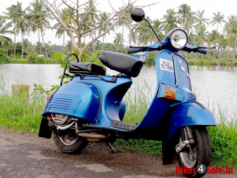 Bajaj Chetak Scooter With Images Yamaha Bikes Scooter Bajaj Auto