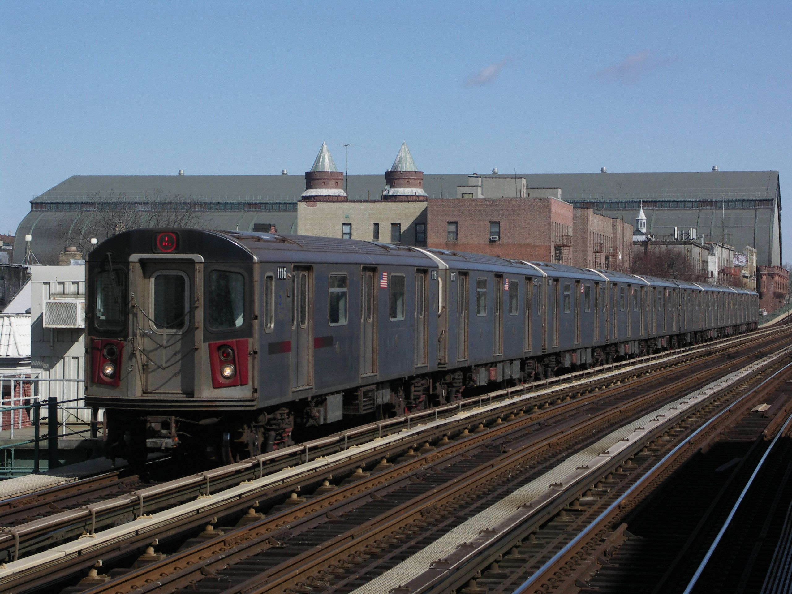 4 Train Arriving At Fordham Road Train New York Subway Nyc Subway
