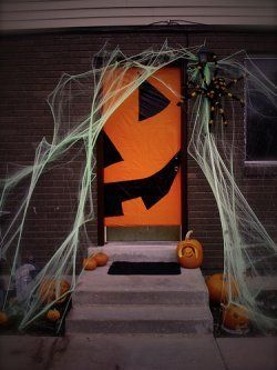 Halloween Classroom Door Decorations #halloweenclassroomdoor