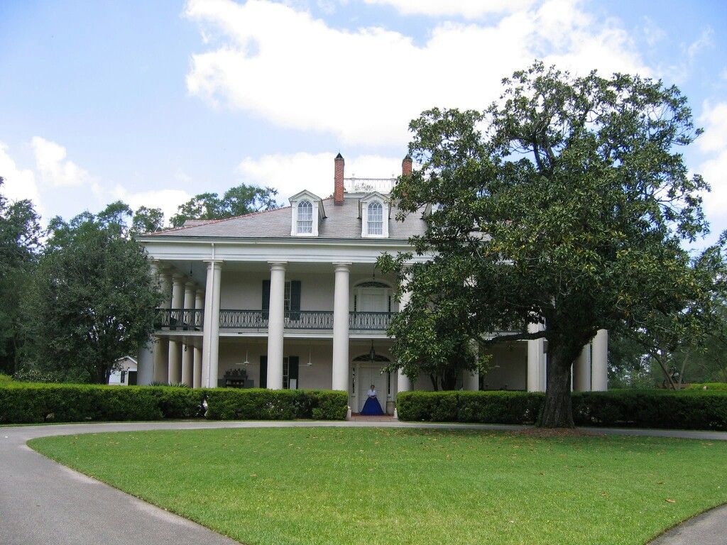 Southern plantation Plantation Homes Pinterest Dream