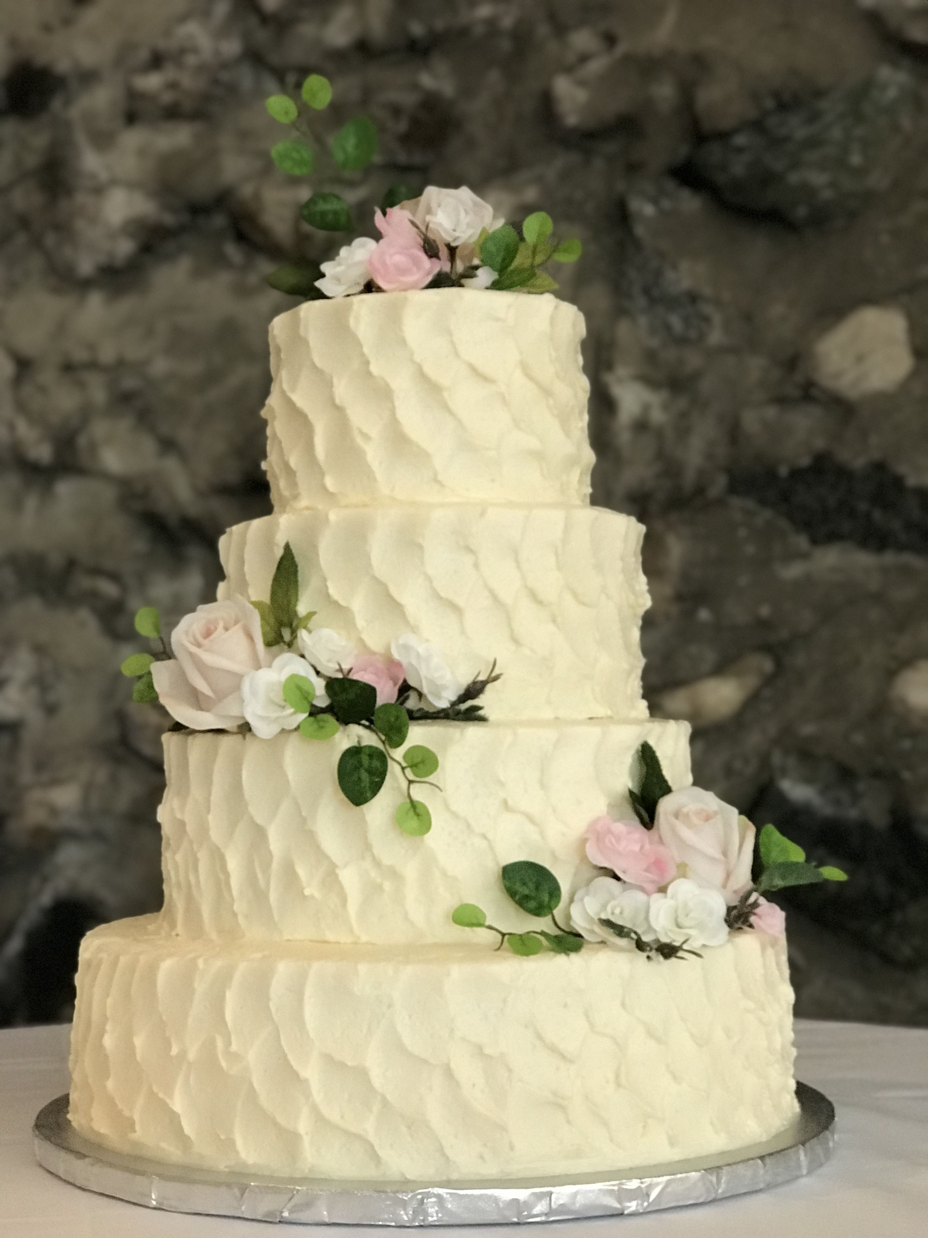 Pin by Tiffany Young on Wedding Cakes | Pinterest | Wedding cake ...