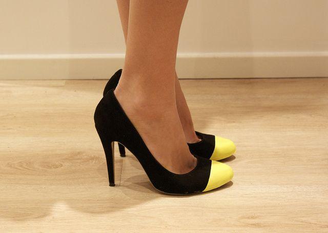Great fix for scuff toed heels - DIY NEON YELLOW CAP TOE HEELS
