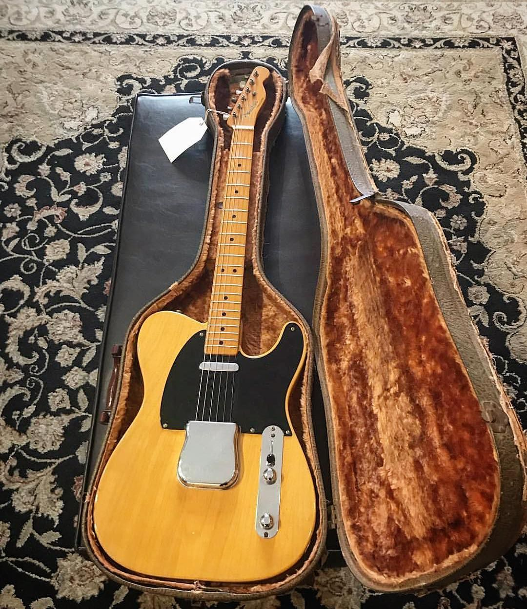 Jensen Bell On Instagram 1952 Stupid Clean Example Of A Blackguard Telecaster In Original Thermometer Case Ca Fender Telecaster Guitar Vintage Guitars