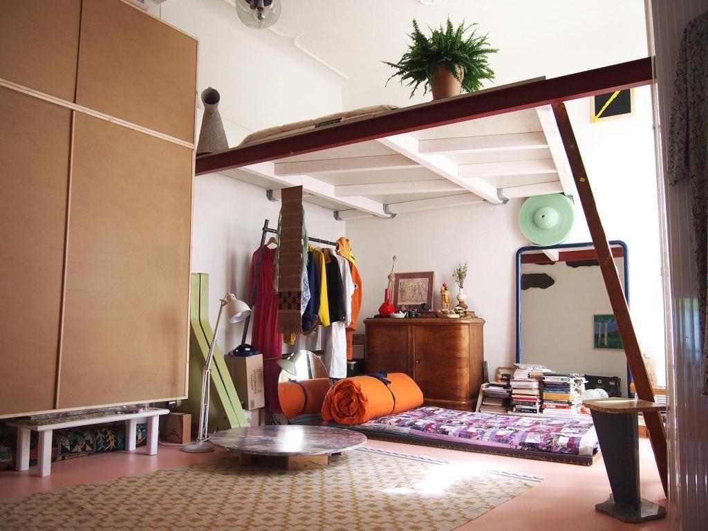 Unique und geräumiges Zimmer mit hoher Decke. WG Zimmer