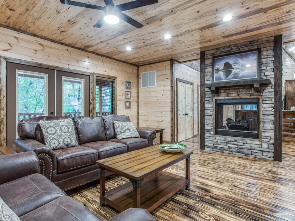 Broken Bow Vacation Cabins Stealin Time 2 Bedroom Accommodates Up To 8 Guests Wifi Hot Tub Pet Fri Home Living Room Living Room Interior Large Bedroom