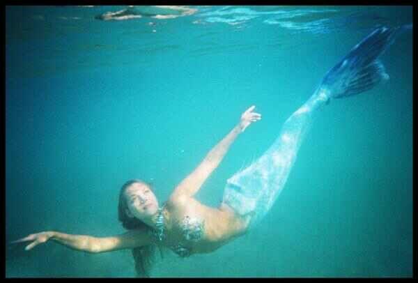 Hannah Fraser - Australian Model turned Mermaid ...