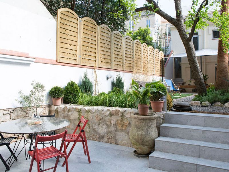 How To Get The Best Dining Area Look And Functionality Outside
